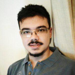 Danilo Garcia em foto retrato. Fim da descrição.